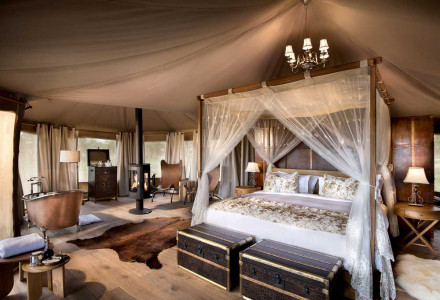 01-1-Luxury-Tent-Bedroom-1